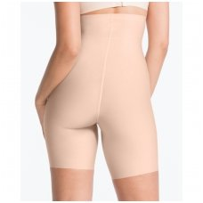 SPANXThinstincts® high-waisted mid-thigh shaping short