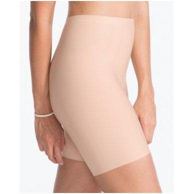 SPANX Thinstincts™ Mid-Thigh koriģējošie šorti